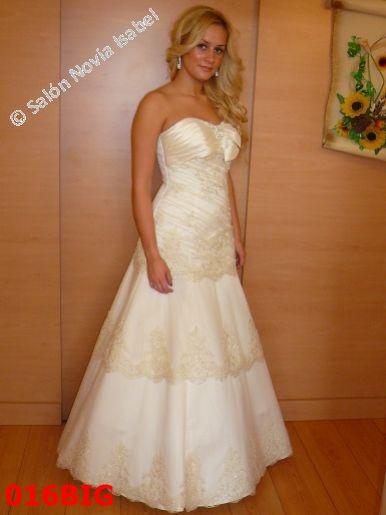 7987b4cc0fa9 Svadobné šaty - Svadobný salón Bratislava - Novia Isabel